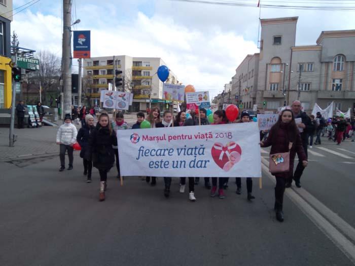 """""""Marșul pentru Viață"""" la Satu Mare. Sute de participanți (Fotogalerie)"""