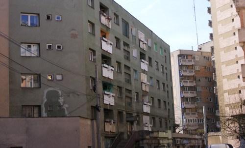 La ce distanță de clădiri se pot folosi articolele pirotehnice în siguranță?