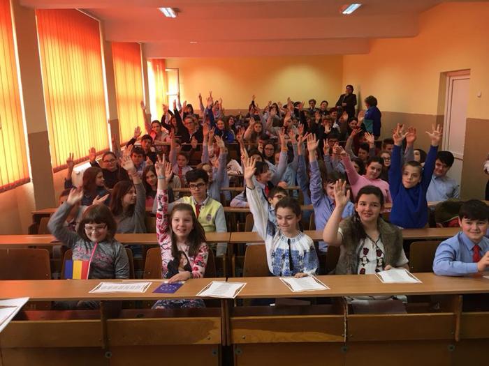 Viitorul sună bine ! Mândri că sunt români !