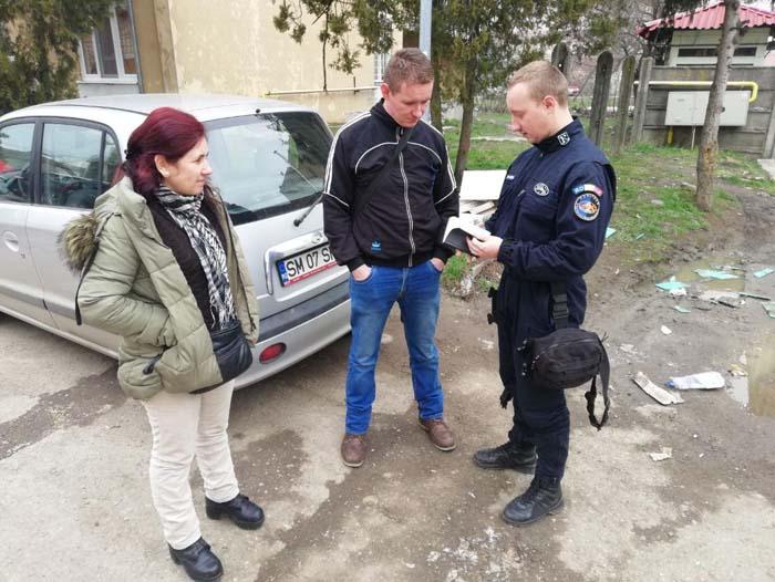 Elev de la un liceu din Satu Mare, returnează un telefon găsit