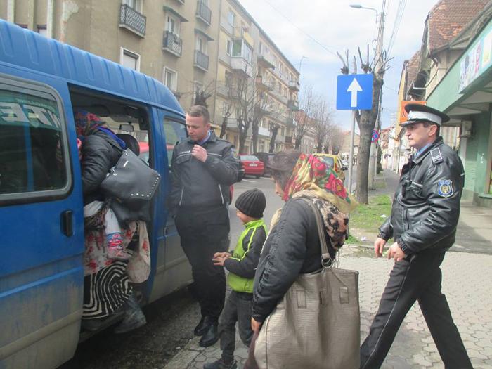 Cerșetoare din Sălaj, amendate și trimise acasă (Foto)
