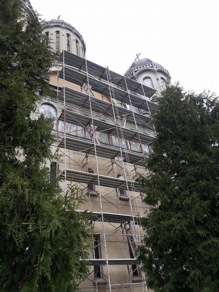 """A început restaurarea Catedralei Ortodoxe """"Adormirea Maicii Domnului"""" (Foto)"""
