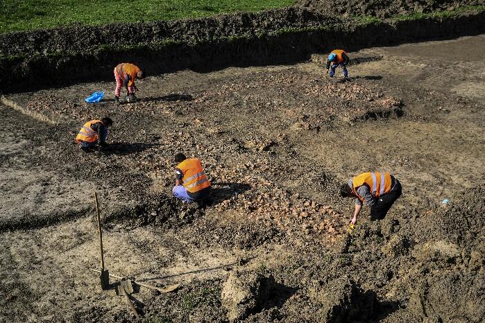 Descoperire spectaculoasă ! Așezare din Epoca Bronzului pe locul viitoarei centuri (Fotogalerie)