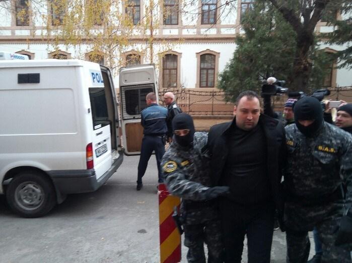 Începe procesul lui Răzvan Rentea ! Este acuzat că și-a ucis părinții !