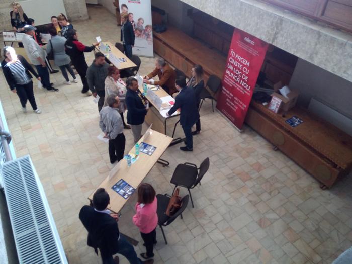 40 de sătmăreni angajați pe loc la Bursa locurilor de muncă