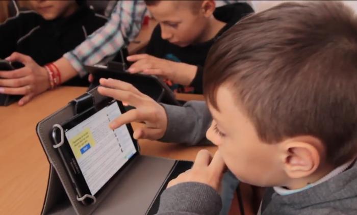 Orange vrea să doteze școlile din județul Satu Mare