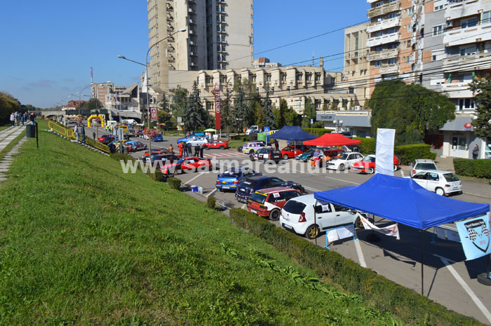 Spectacol automobilistic pe B-dul Transilvania