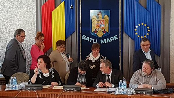 Sfidător ! Consilierii UDMR au refuzat să semneze rezoluția pentru unirea cu Basarabia