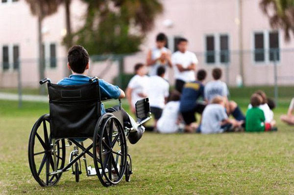 Tabără gratuită pentru preşcolarii, elevii şi studenţii cu dizabilități