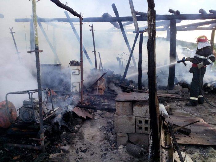 Incendiu la o casa din Vama. Pagube mari (Foto)