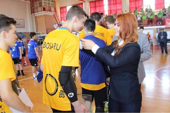 CS Stiinta Bacau, cel mai tare club la handbal ! Ministrul Ioana Bran, la finala competitiei (Foto)