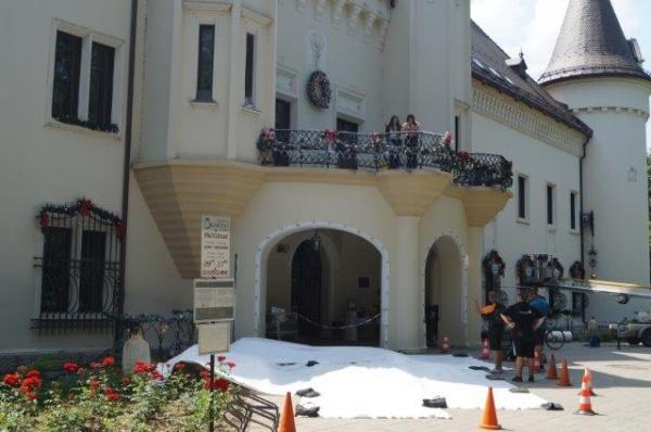 Film american turnat la Carei. Castelul, impodobit ca de Craciun (Foto)