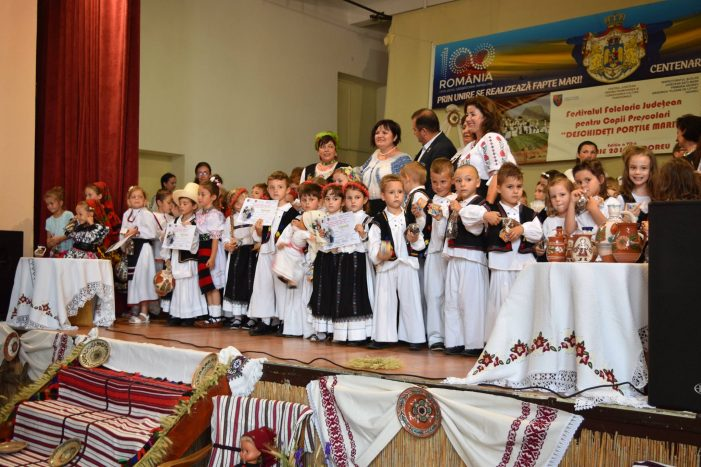 Festivalul Folcloric pentru prescolari si-a desemnat castigatorii. Cine sunt acestia (Foto)