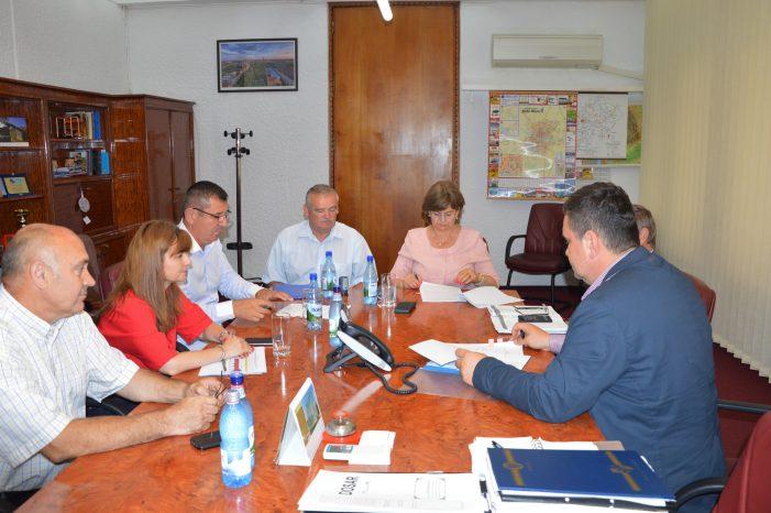 S-a semnat contractul de alimentare cu apă potabilă a zonei turistice Luna Șes
