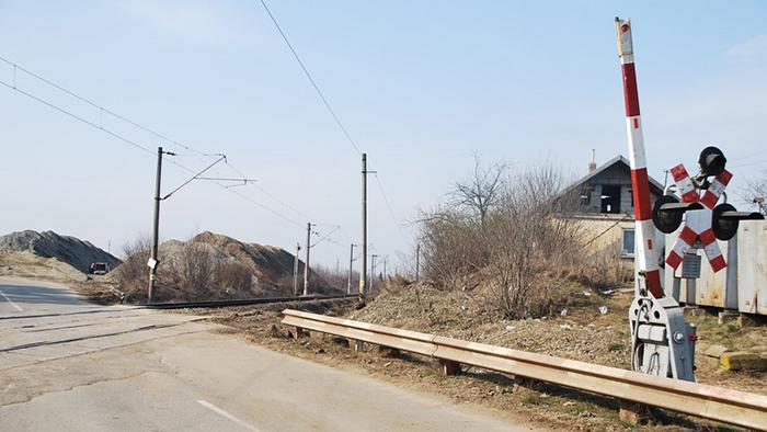 Deputații au votat: Bariere la trecerile de cale ferată pe toate drumurile internaționale și naționale