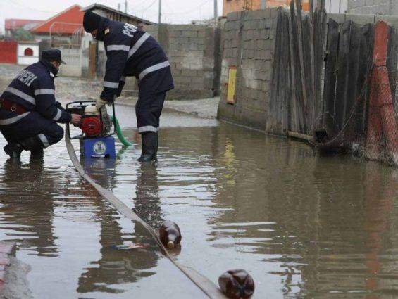 Pericol de inundatii. Ce spun hidrologii ?