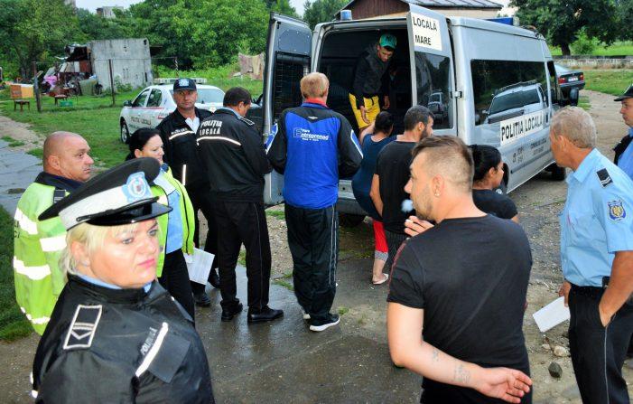 Razie pe Ostrovului. Zeci de persoane duse la Politie (Foto)