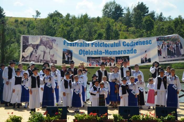 Votati ! Cand sa fie Festivalul Folcloric Oteloaia ?
