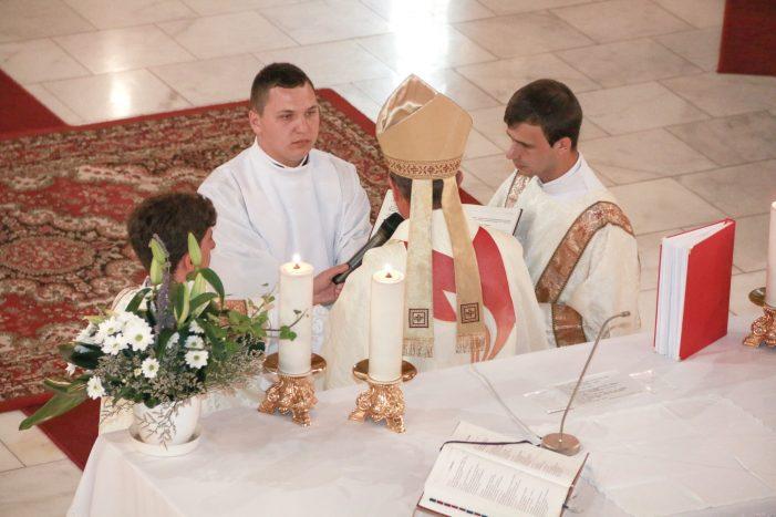 Hirotonire întru preoție in Catedrala romano-catolica (Foto)