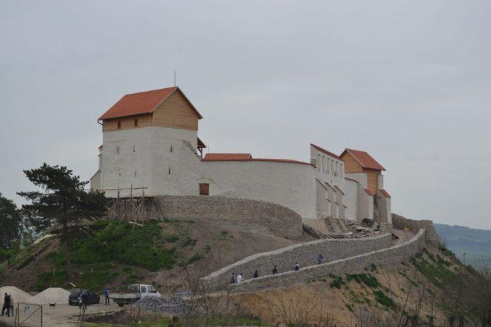 Cetate medievala din Brasov, restaurata de o firma din Satu Mare (Foto&video)