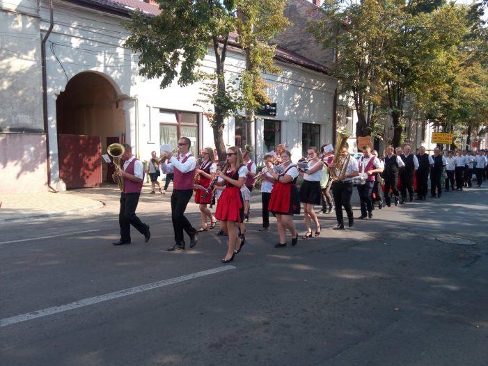 """Parada portului popular la """"Sarbatoarea Recoltei"""" din Satu Mare (Foto)"""