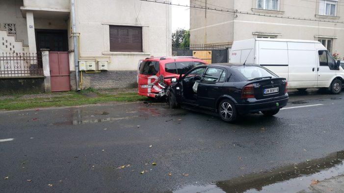 Accident grav. O persoana ranita (Foto)