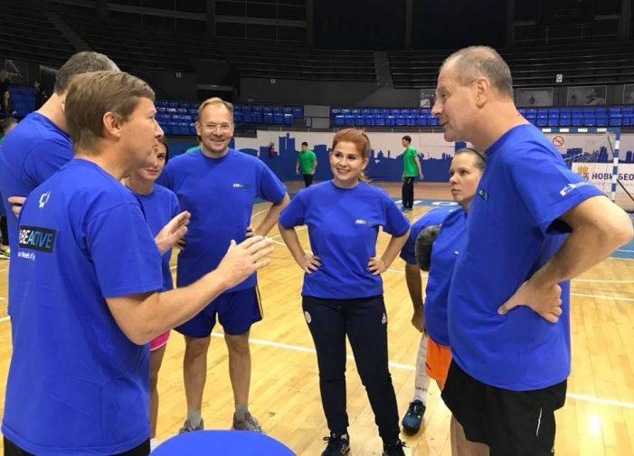 Meci amical. Ministrul Ioana Bran in echipa cu oficialități din lumea sportului european (Fotogalerie)