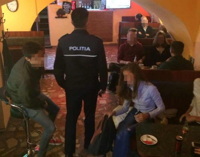 Elevi chiulangii, prinsi de politisti (Foto)