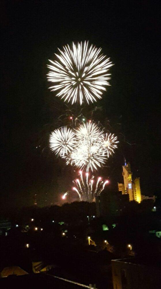 Uniti pentru Satu Mare. Spectacol de lumini pe cerul Satmarului (Foto)