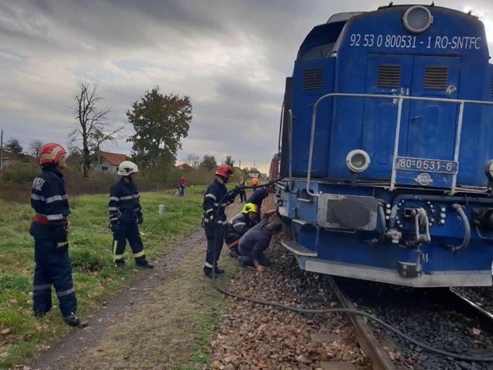 O locomotiva a luat foc ! 195 de pasageri evacuati (Foto)
