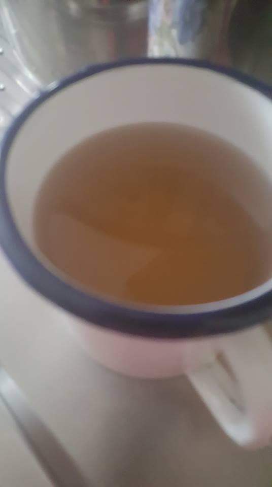 """Cafea"" la robinet. Asa arata ""apa potabila"" azi dimineata la Satu Mare (Foto)"