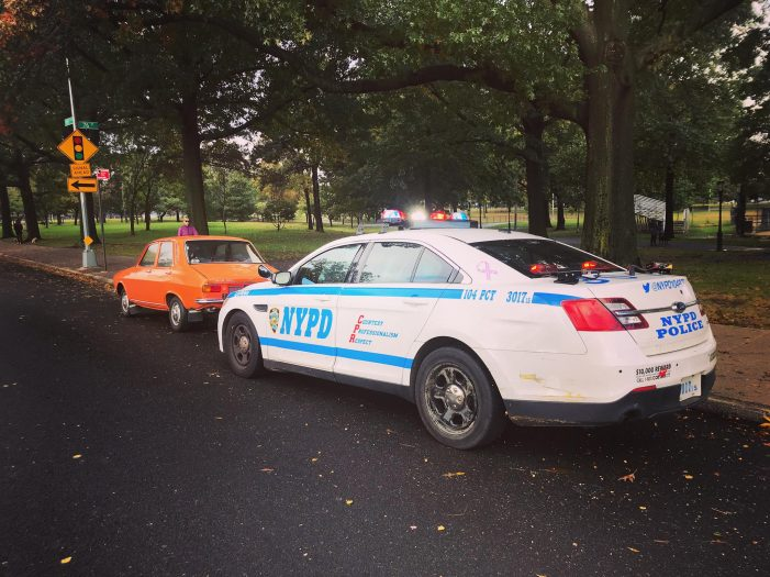 O Dacie 1300, oprită în trafic la New York (Foto)
