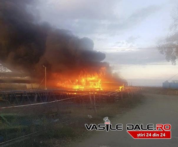 Incendiu pe santierul unde se construieste Podul peste Somes, la Ulmeni (Foto)