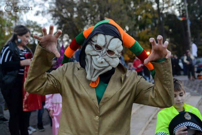 Halloween Party la amfiteatru. Cea mai înspăimântătoare mască (Foto)