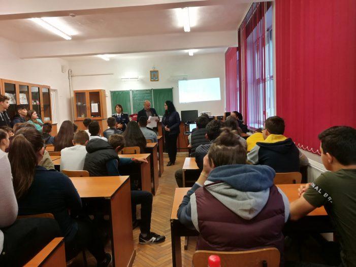 "Scoala Altfel …. la Liceul Tehnologic ""Ionita G. Andron"" din Negresti-Oas (Foto)"