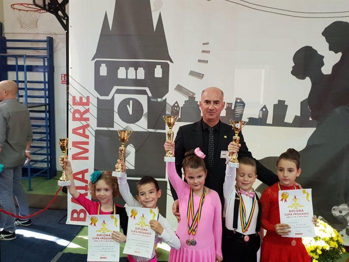 8 medalii pentru Royal Dance Satu Mare (Foto)