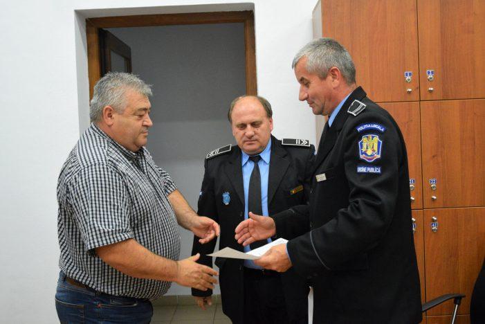 Cei doi politisti locali care l-au prins pe criminal, felicitati (Foto)