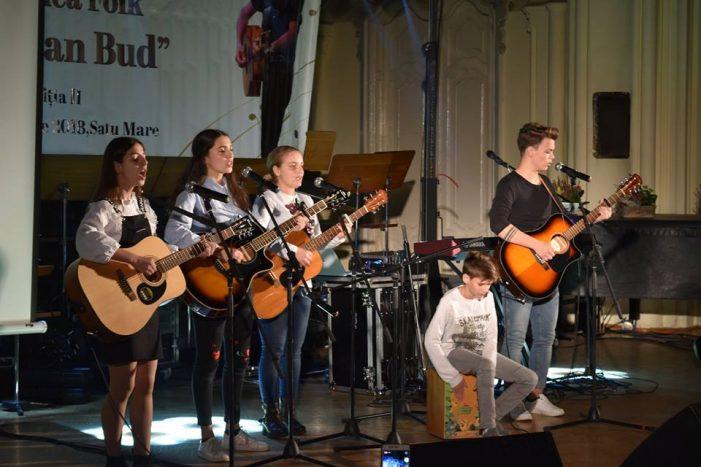 """Concurs Național de Muzică Folk """"Octavian Bud"""". Laureatii competitiei (Foto)"""