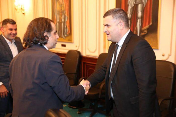 Romania discuta despre primul satelit de telecomunicatii. Ministrul Gabriel Les s-a intalnit cu presedintele Agenţiei Spaţiale Române (Foto)