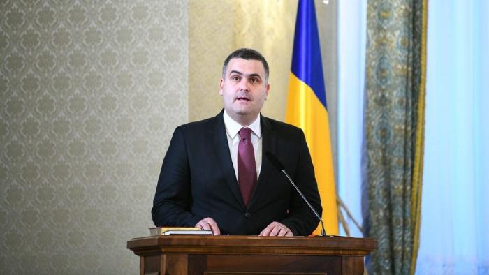 Noul ministru al Apararii, Gabriel Les a depus juramantul la Palatul Cotroceni (Foto)