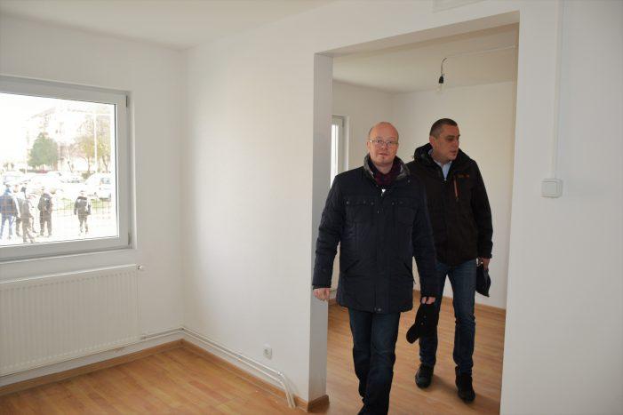 Apartamentele din blocul social de pe str. Ostrovului au fost predate beneficiarilor (Foto)