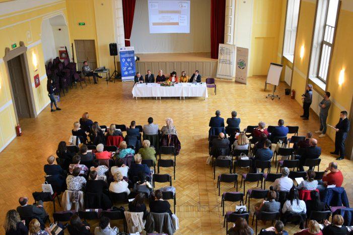 Specialiști în asistență socială din întreaga țară s-au reunit la Satu Mare (Foto)