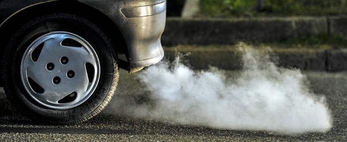 Orașul din România care vrea să interzică mașinile poluante. Primarul vrea referendum !