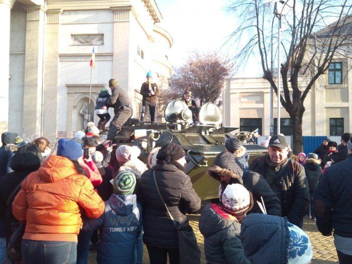 Expozitie de tehnica militara in centrul Satmarului (Foto)