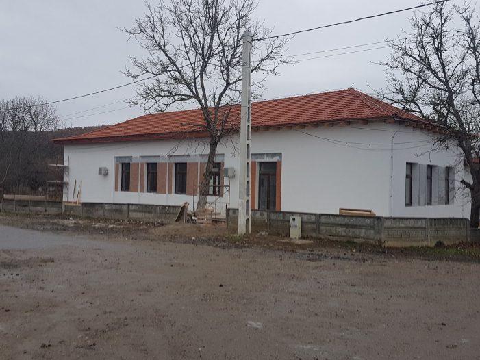 Lucrarile de modernizare la Caminul Cultural Solduba, aproape finalizate (Foto)