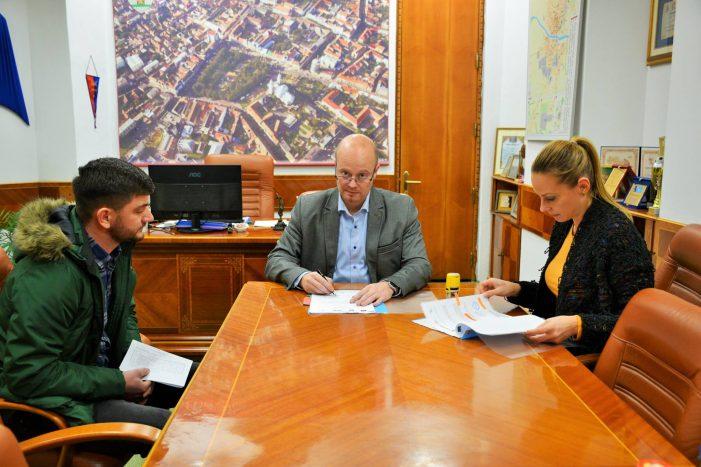Pista de biciclete, din bani europeni. Primarul a semnat contractul