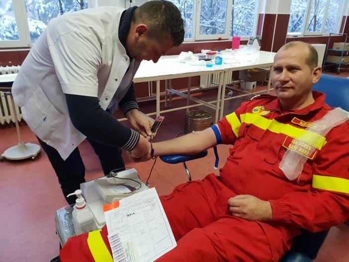 Salvatorii doneaza sange pentru viata ! S-au prezentat la Centrul de Transfuzii (Foto)