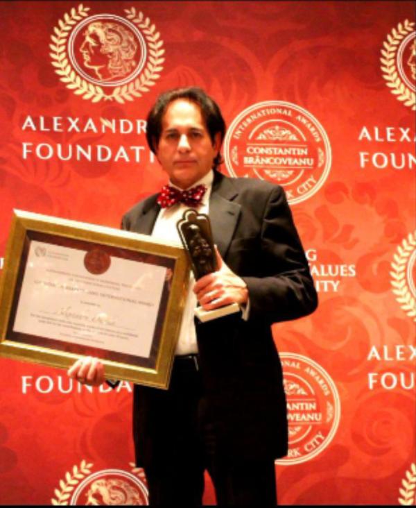 Un pictor de origine satmareana, premiat la New York. Laureat pentru excelenta in arta (Foto)