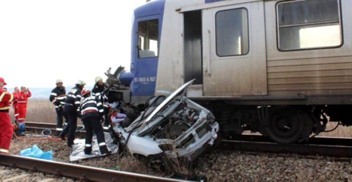 Masina spulberata de tren. O persoana in stare critica