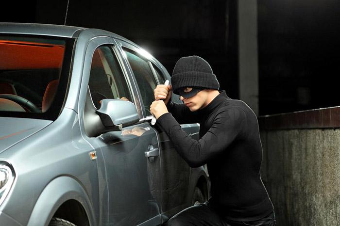Cum să preveniți furtul unei mașini